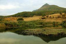 Free Mountain Lake Royalty Free Stock Images - 21516159
