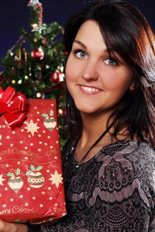 Free Happy Woman With Christmas Gift Stock Photo - 21521600