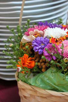 Free Flowers And Plates Royalty Free Stock Photography - 21523467