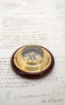 Free Compass On Old Paper Royalty Free Stock Photos - 21527188