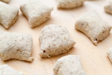 Free Dough Waiting For Baking Royalty Free Stock Photo - 21528815