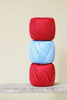 Free Ball Of Threads Royalty Free Stock Images - 21528959