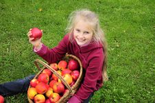 Free Girl With Apples Royalty Free Stock Photos - 21539948