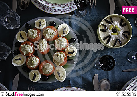 Free Come To Eat Royalty Free Stock Image - 21555236