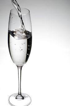 Free Pouring A Glass Of Refreshing Cold Water Stock Photos - 21578913