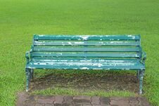 Free Bench In The Park Royalty Free Stock Photography - 21583337
