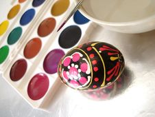 Free Colored Easter Egg And Paint Royalty Free Stock Images - 2160789
