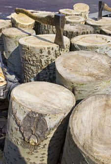 Free Axes And Logs Royalty Free Stock Photo - 2168125
