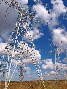 Free Masts Of Electric Mains And Cloudy Sky Stock Photography - 21606422