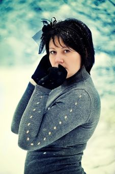Free The Woman And Snow Royalty Free Stock Photos - 21606758