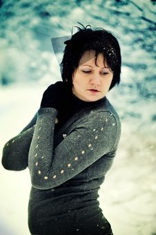 Free The Woman And Snow Royalty Free Stock Photo - 21606785