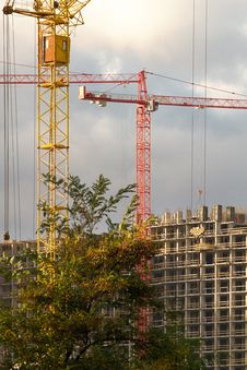 Free Development With Crane Royalty Free Stock Photo - 21607285