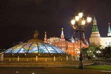 Free View Of Glass Cupola And Kremlin Wall At Night Stock Photography - 21613462