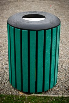 Free Outdoor Public Trash Barrel Royalty Free Stock Image - 21614586