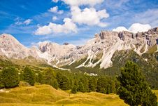 Free Dolomites Mountain Royalty Free Stock Images - 21615379