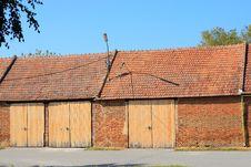 Free Old Barn Royalty Free Stock Photo - 21621135
