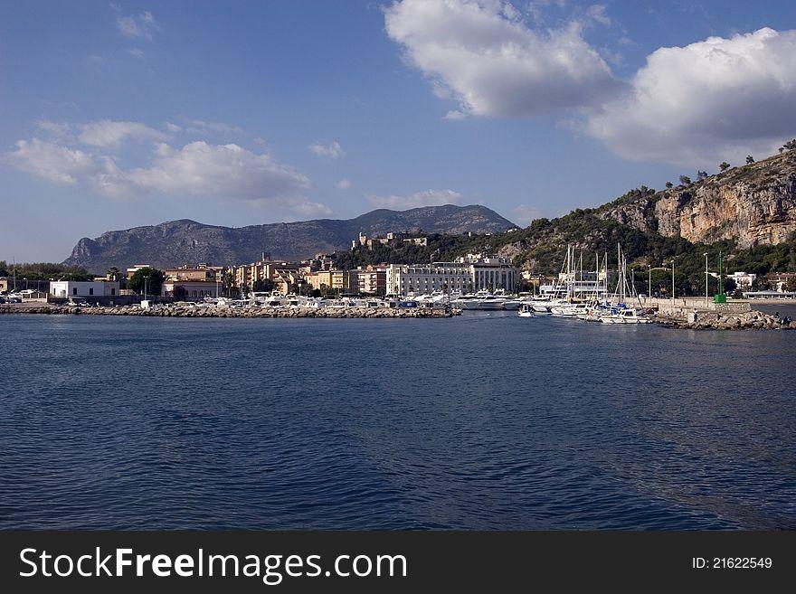 Terracina s port