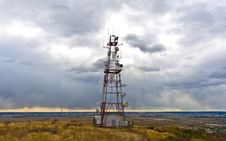 Free Communications Tower Royalty Free Stock Image - 21634186
