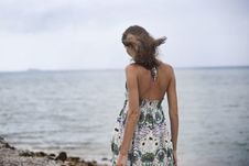 Free The Girl Goes To The Beach, Back Stock Photos - 21661933