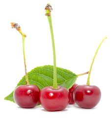 Free Cherries With Green Leaf Royalty Free Stock Photography - 21662717