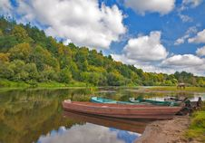 Free Old Boats In River Royalty Free Stock Image - 21666796