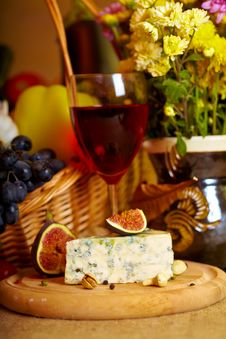 Free Wine And Cheese Still Life Royalty Free Stock Image - 21670326