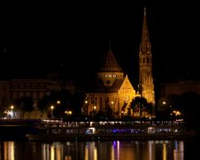 Free Reformed Church In Budapest At Night Stock Photo - 21674560