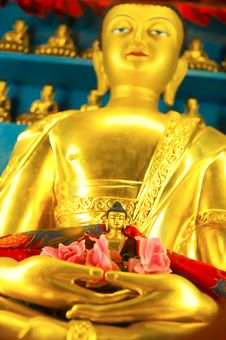 Free Golden Buddha Stock Photography - 21694422
