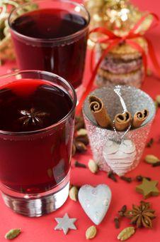 Free Christmas Mulled Wine, Cardamom, Cloves, Cinnamon, Stock Photography - 21694602