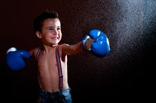Free Little Wet Puncher Makes Lucky Royalty Free Stock Photo - 21703615