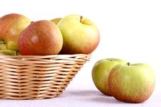Free Apple And Basket Royalty Free Stock Photo - 21717825