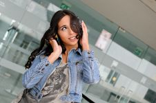 Free Young Girl With Headphones Royalty Free Stock Photo - 21720105