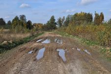 Free Dirty Country Road Stock Photography - 21736272