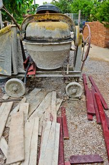 Free Dirty Concrete Mixer Stock Images - 21742784