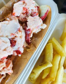 Free Big Juicy Lobster Roll, A New England Favorite Royalty Free Stock Photo - 217694515