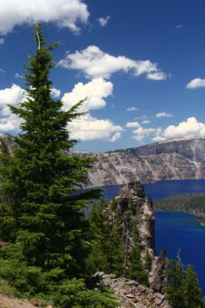 Free Crater Lake On A Warm & Sunny Day Stock Photos - 217838203