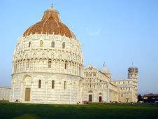 Free Church/ Leaning Tower Of Pisa, Royalty Free Stock Photo - 2180195