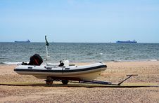 Free Boat On The Beach Royalty Free Stock Photos - 2180738
