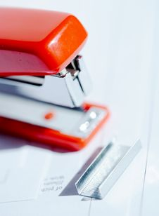 Free Stapler With Staples Stock Photography - 2182612