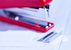 Free Stapler With Staples Stock Images - 2182614