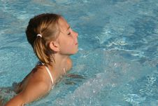 Free Girl Swimming In The Pool Royalty Free Stock Images - 2185459