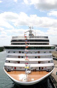 Free Ship At Dock Royalty Free Stock Photos - 2186728