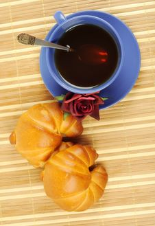 Free Tea, Croissant And Rose Royalty Free Stock Photo - 21804435