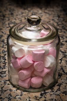 Marshmallows Jar Royalty Free Stock Photography