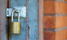 Free Door Lock With Brick Wall Royalty Free Stock Photography - 21818727