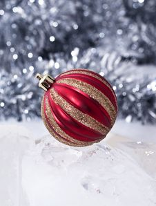Free Red & Gold Christmas Bauble Stock Images - 21841574