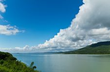 Free Views Of The Lake Lumtakhong Stock Photography - 21844172