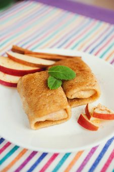 Free Apple And Cinnamon Pancakes Stock Photos - 21864783