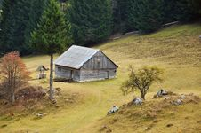 Free Traditional Household In Transylvania Royalty Free Stock Photography - 21882687