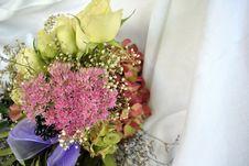 Free Flower Arrangement Royalty Free Stock Image - 21889506